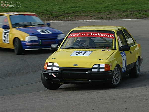 Simon Jones - Ford Escort XR3