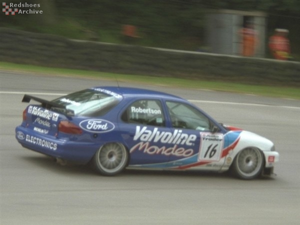 Steve Robertson - Ford Mondeo
